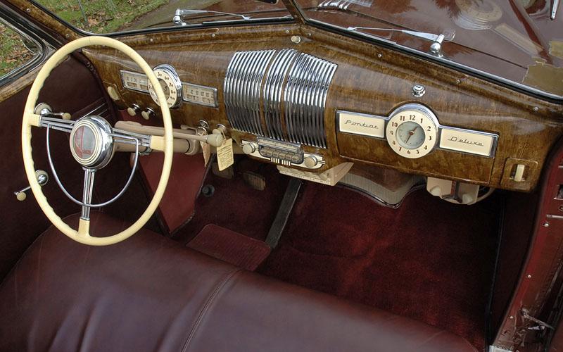 1940 Pontiac Deluxe 8 Silver Streak